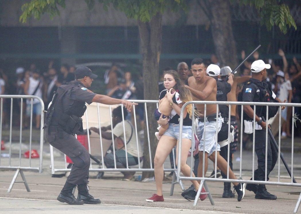 A fervorosa disputa pelo lado direito do Maracanã