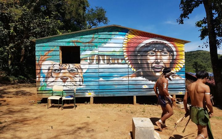 Uma das moradias dos indígenas