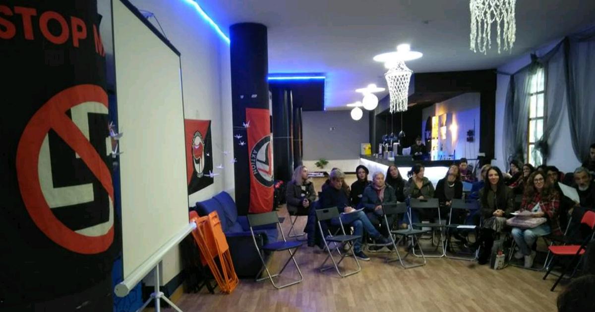 """Uma reunião da """"Frente Unitária Antifascista"""" em Braga. Fonte: https://ominho.pt/frente-antifascista-criada-em-braga/"""